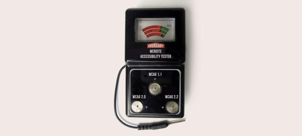 Ein Batterie-Tester für kleine runde Batterien, Text umgewandelt zu Website Accessibility Tester